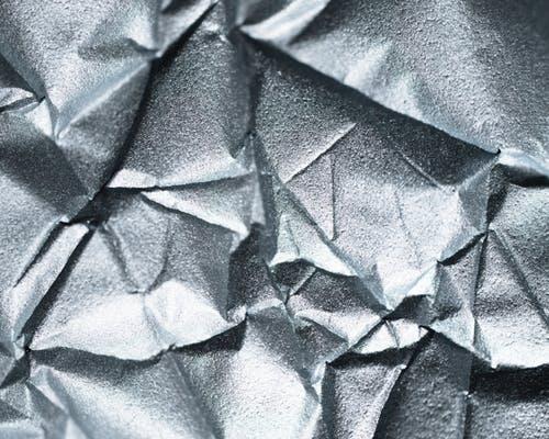 metal je jedan od 5 feng shui elemenata, kreira potencijal radosti,  novca i vodstva