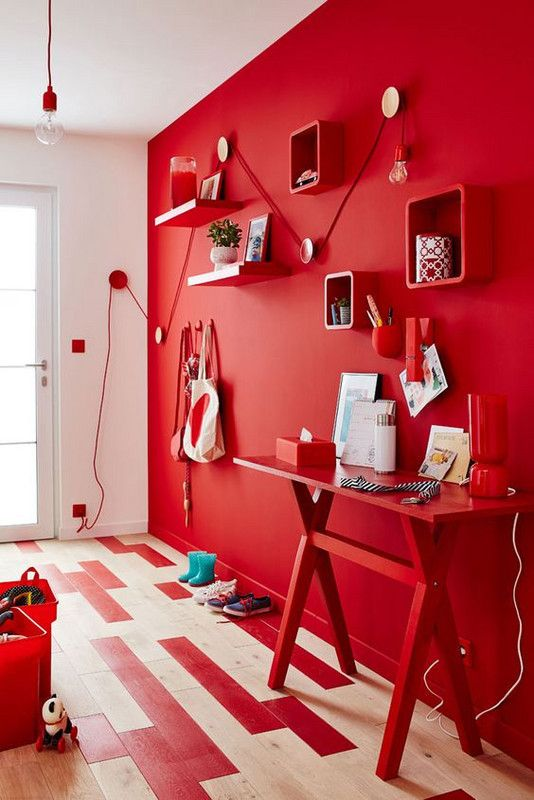 Iako je riječ samo o jednom zidu, boja je vrlo snažna te je moguće da je energija vatre ipak  presnažna